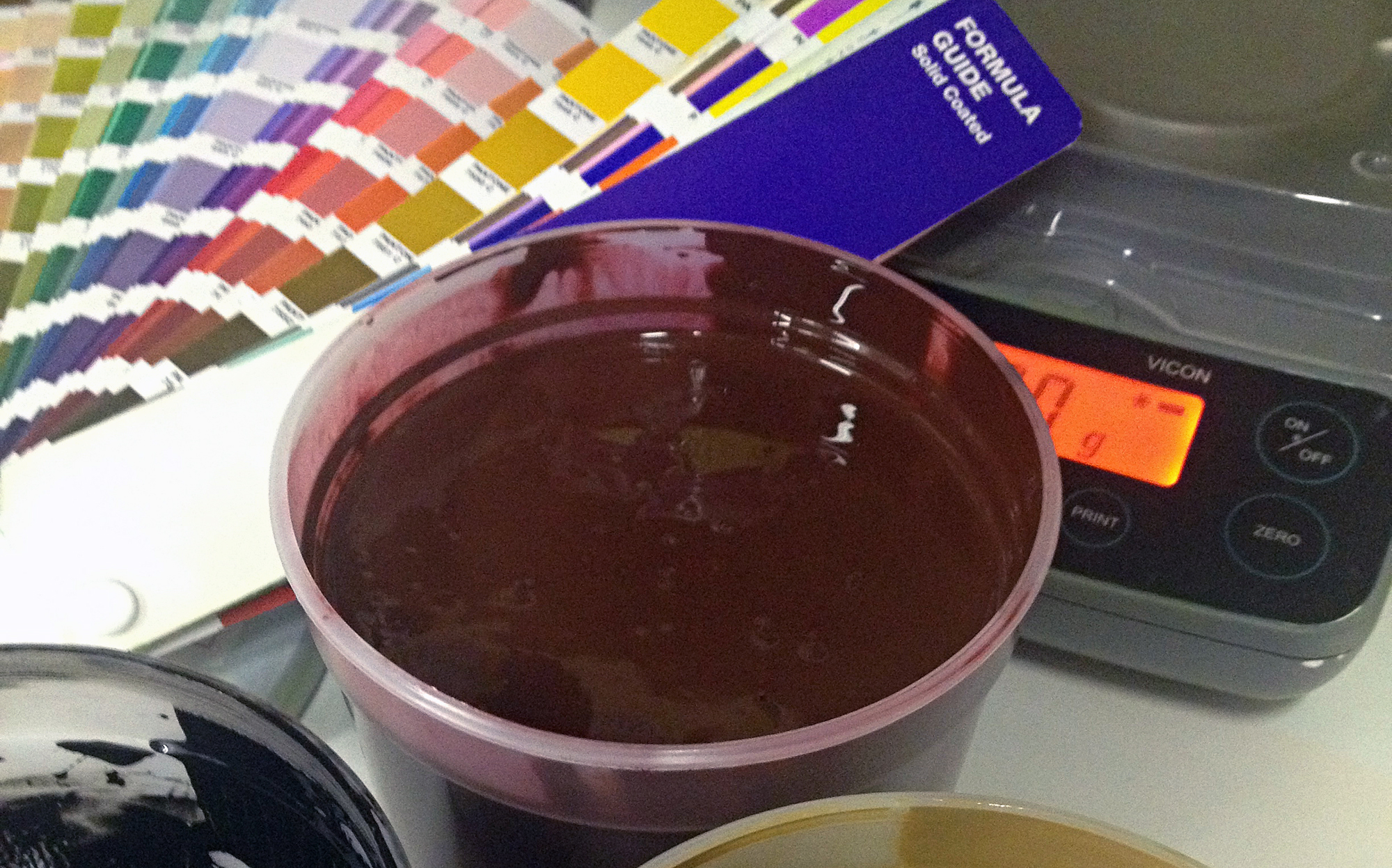 using pantone codes to mix screen printing ink, how to print quality t shirts, how to choose the best t-shirt print color, how to choose the best screen printer, how to design for t shirts, where to buy pantone book, pantone color guide, how to make vintage t shirts